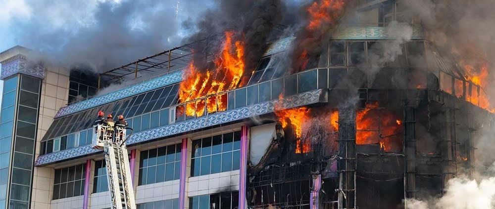 Miljoenenbrand en vervangend kantoor